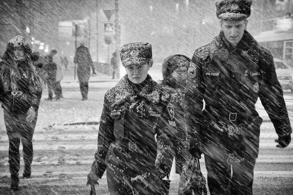 снегопад, снег, метель, зима, перекрёсток, мчс, форма, взгляд, люди, улица, Alla Sokolova