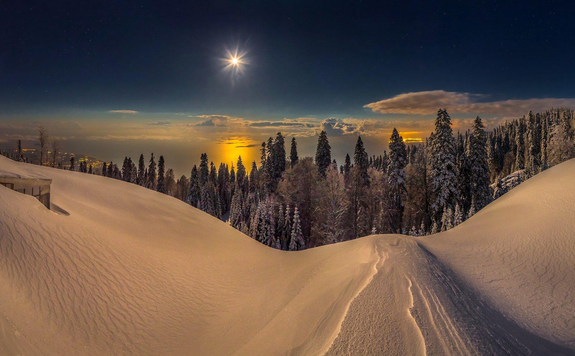 абхазия, горы, ночь, зима, полнолунье, луна, чёрное море, снег, лес, пихты, фактура., Лашков Фёдор