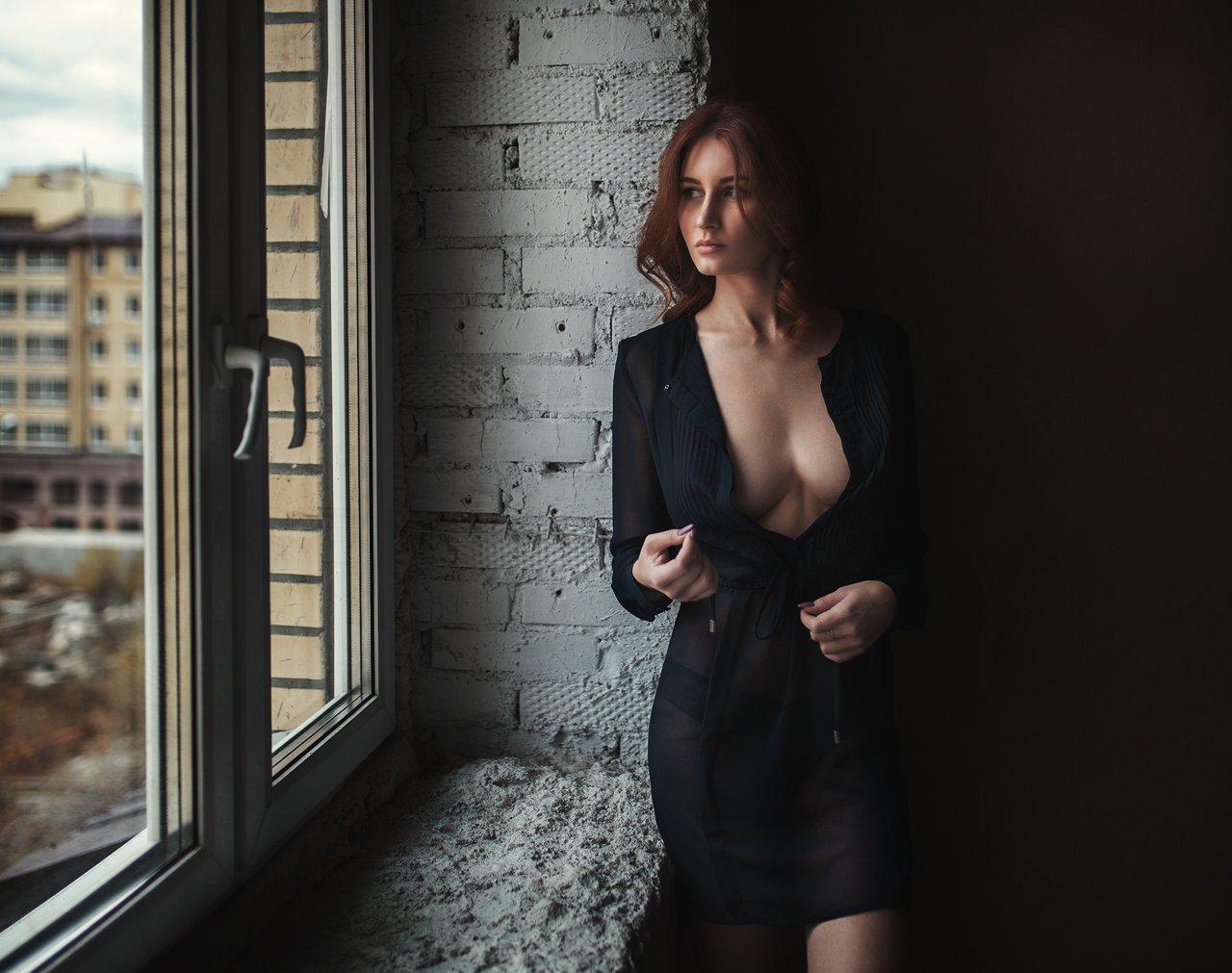 портрет, девушка, окно, свет, тень, грудь, Александр Губель