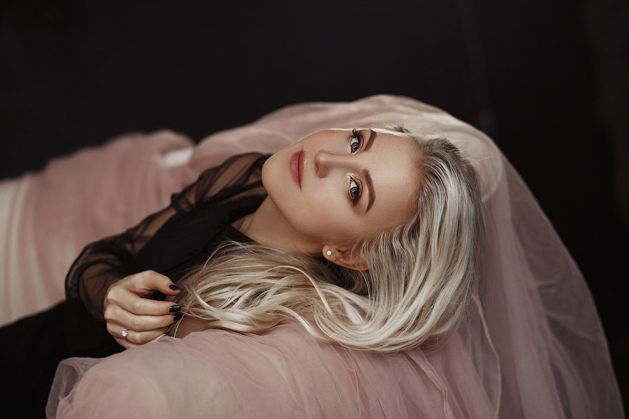 девушка блондинка студия, Бондарь Марина