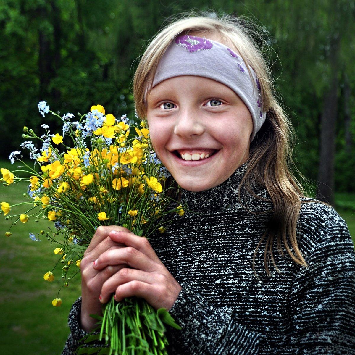 девушка, цветы, детство, Rimantas Petrikas
