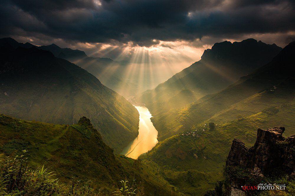 quanphoto, landscape, long_exposure, sunrise, dawn, morning, mountains, river, canyon, rays, sunlight, pass, vietnam, quanphoto