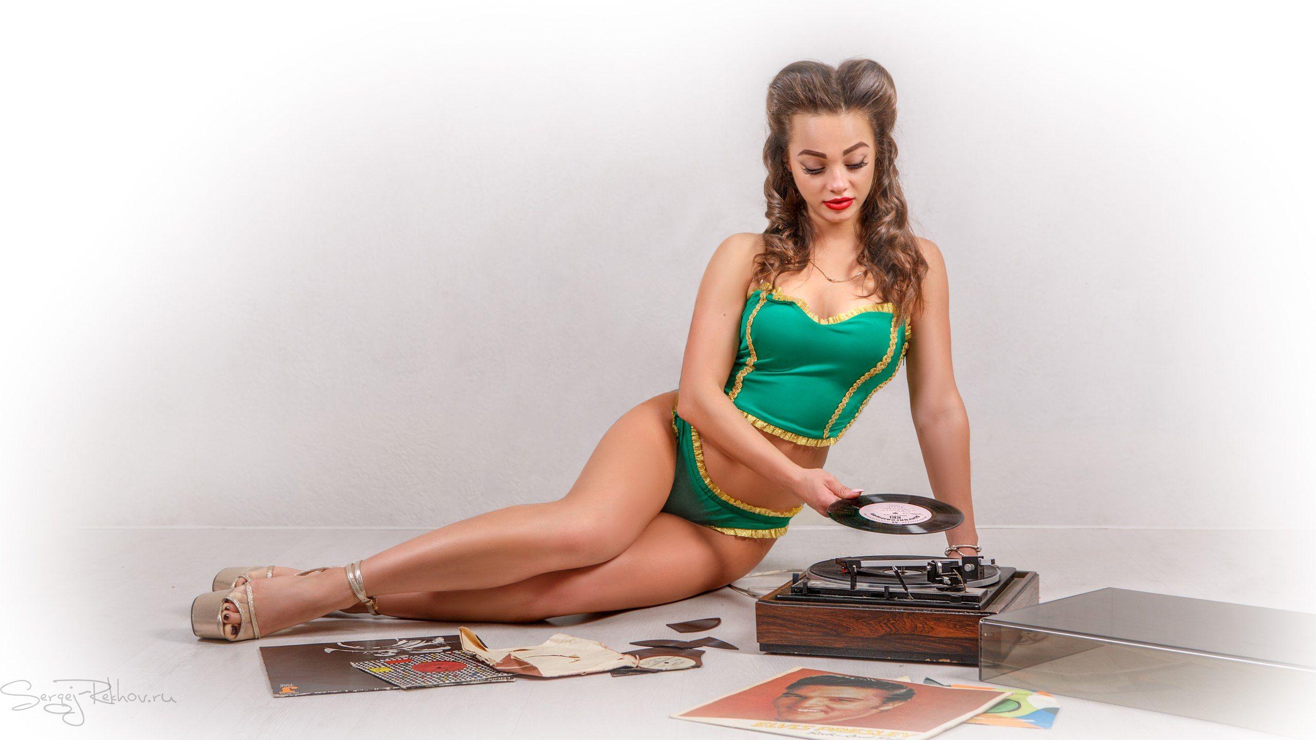 девушка, модель, Pin-up, студия, диск, винил, элвис, 50-е годы, rekhov, sergejrekhov, Сергей Рехов