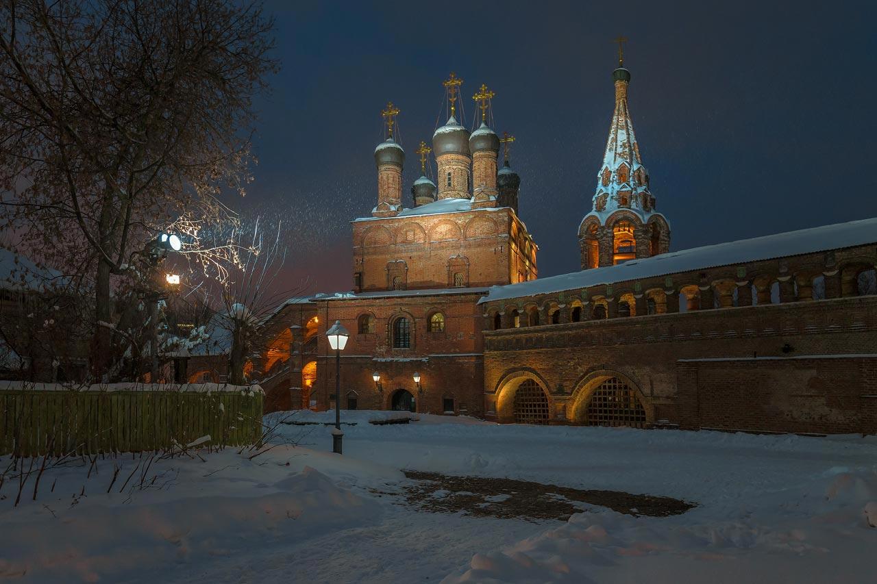 москва,крутицкое подворье, снегопад, вечер, Виктор Климкин