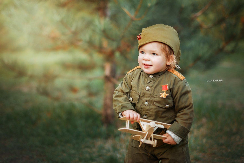 girl, portrait, девочка, портрет,  война, 9мая, солдат, самолетик, Юлия Сафонова