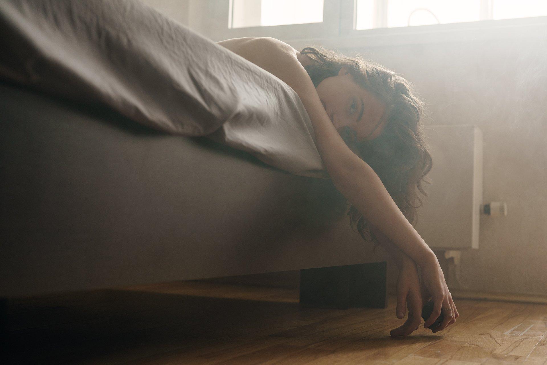 girl, nude, naked, moscow, alone, at home, bed, smoke, morning, Роман Филиппов