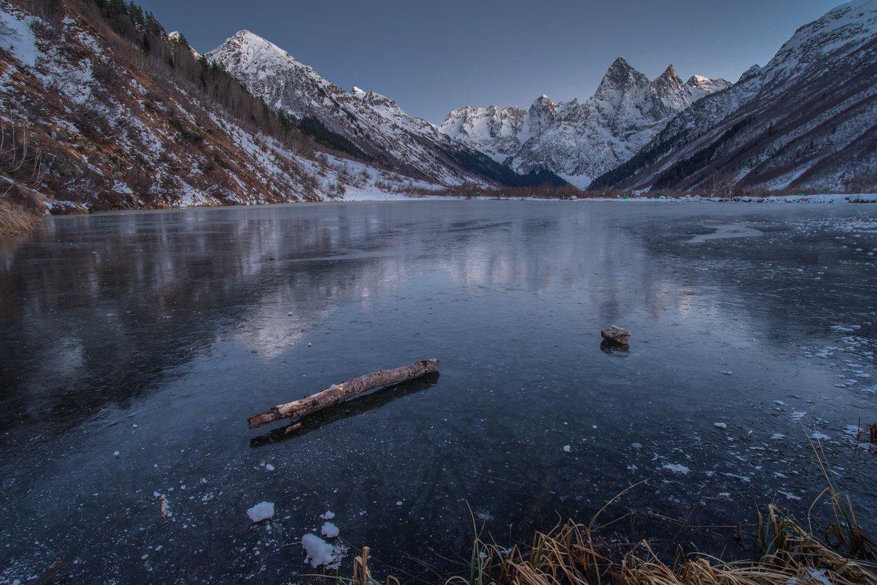 гора, пик, вершина, озеро, лёд,зима,мороз , ночь, ночная съёмка, длинная выдержка, звёзды, облака, северный кавказ, карачаево-черкесия,, АрсенАл