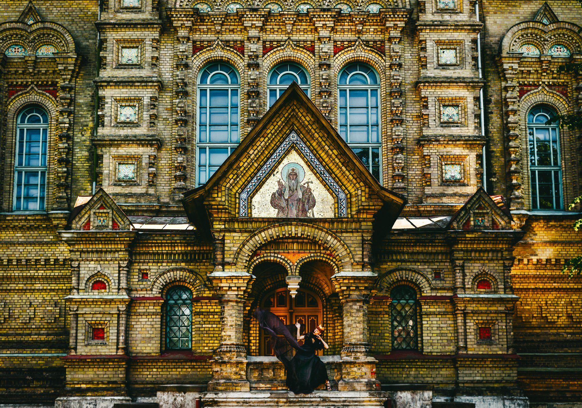 church, queen, natural light, conceptual, Руслан Болгов (Axe)