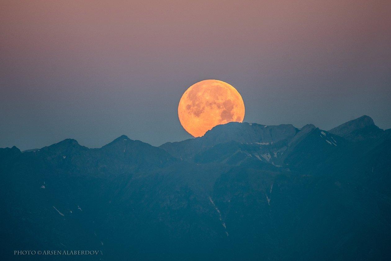 долина, утро, вечер, карачаево-черкесия, кавказ, простор, закат, дымка, туман, горы, хребет, луна, полнолуние, закат, АрсенАл