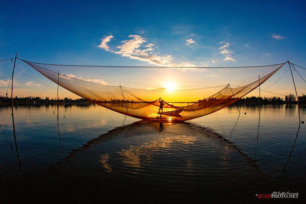 quanphoto, landscape, morning, sunrise, dawn, reflections, fishing, fisherman, seascape, vietnam, quanphoto