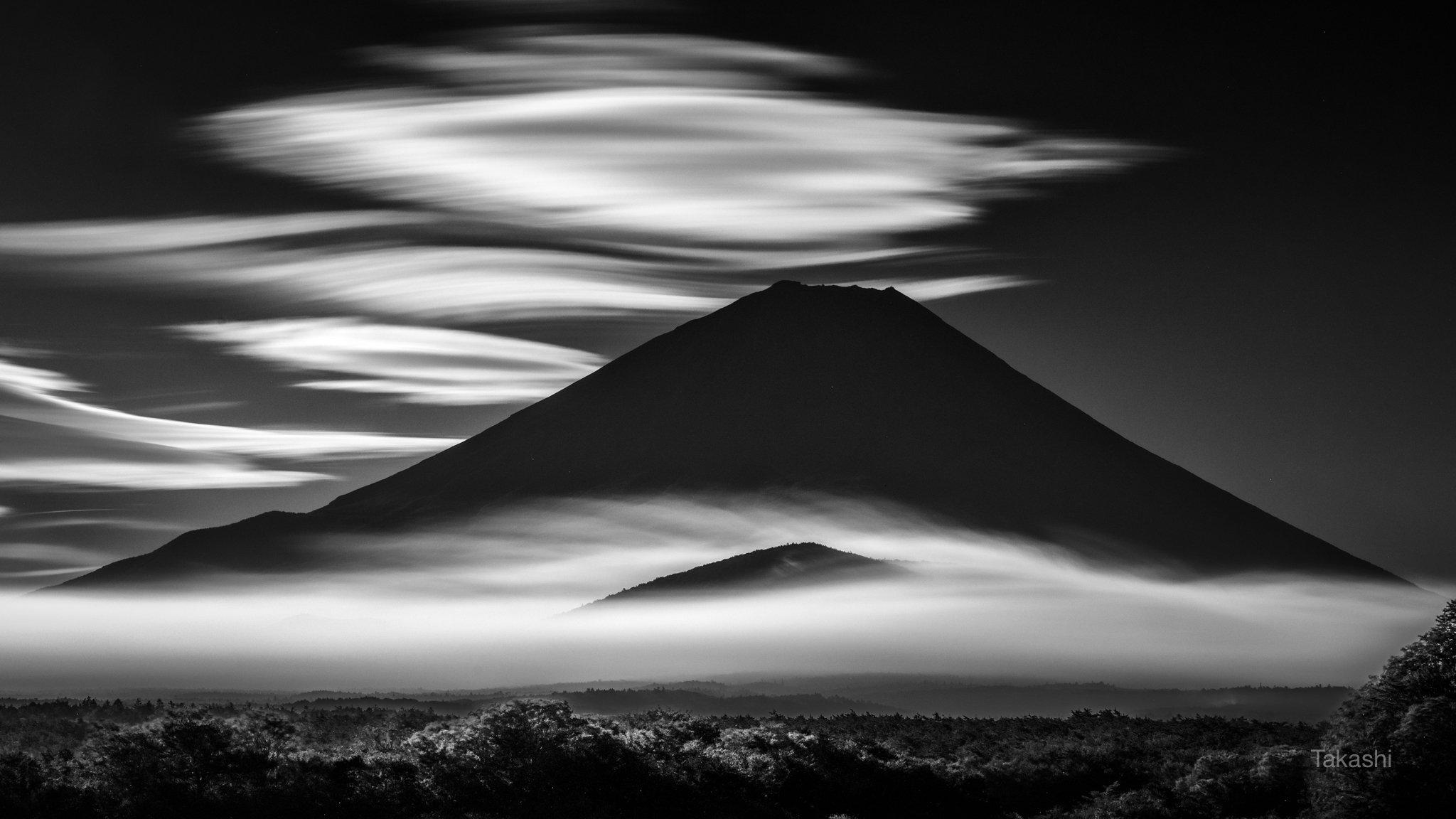 Fuji,Japan,mountain,clouds,white,sky,fog,beautiful,amazing,wonderful, Takashi