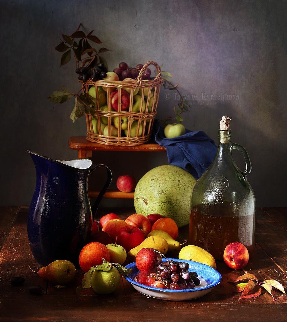 натюрморт, фрукты, яблоки, груши, персики, нектарины, виноград, кувшин, корзина, бутыль, арбуз, Карачкова Татьяна