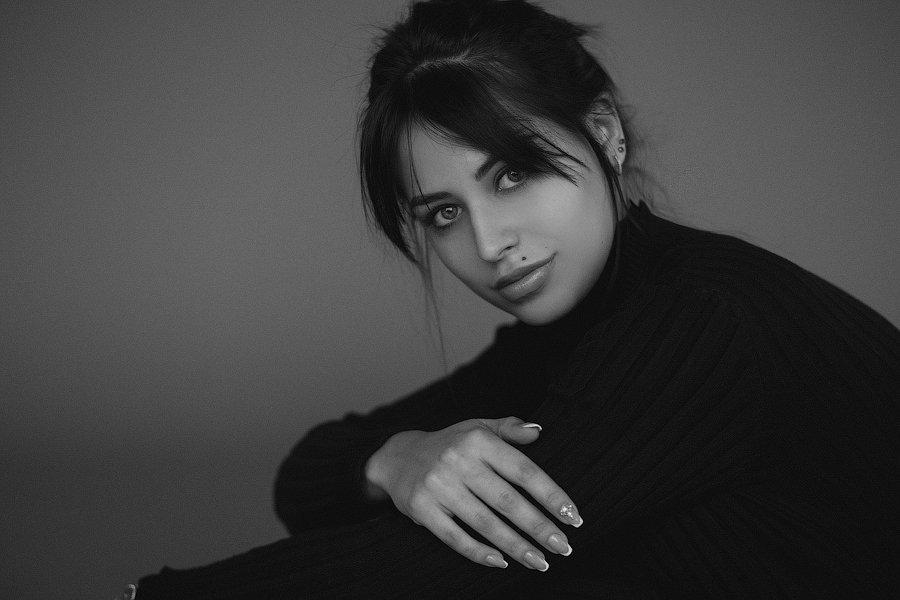 портрет чб девушка студия, Бондарь Марина