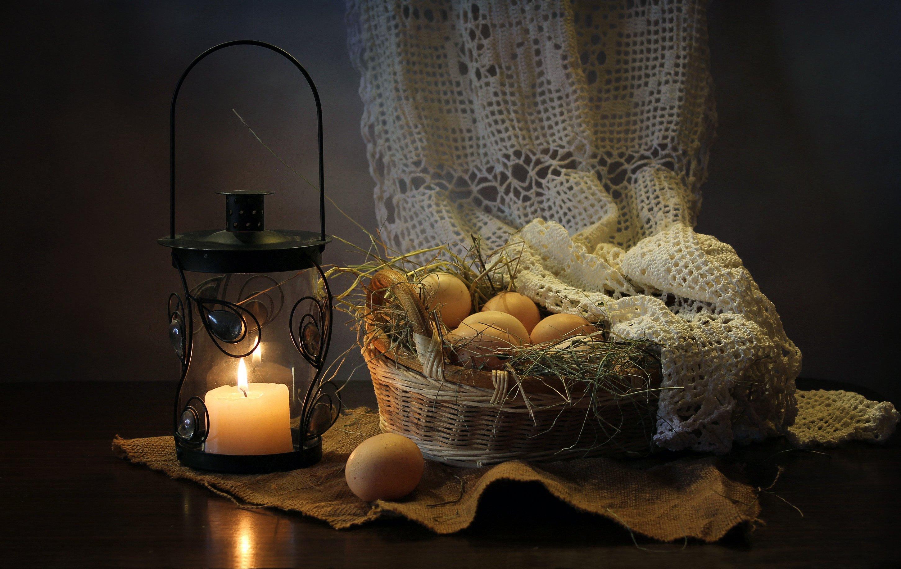 натюрморт, корзина, яйца, фонарик,  подсвечник, пасха, Ковалева Светлана