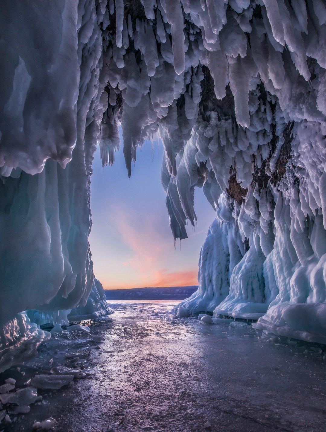 байкал, зима, лед, снег, путешествие, закат, пещера, сосульки, Сергей