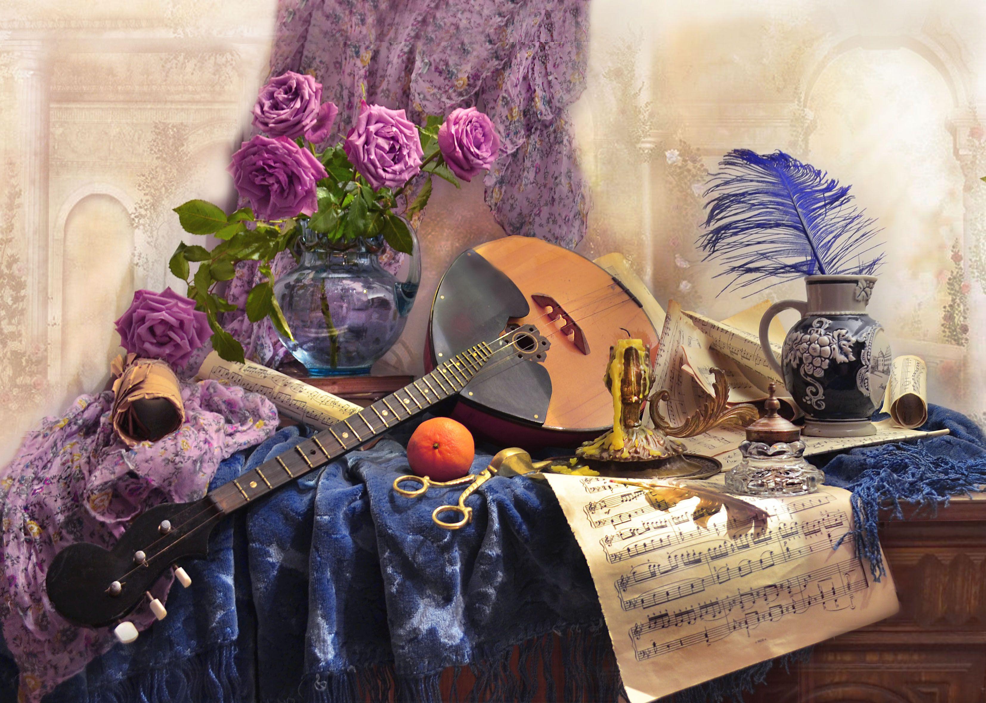 still life,натюрморт,цветы, фото натюрморт,  весна, апрель,  розы, домра, подсвечник, перо, чернильница, книги, свеча, ноты,, Колова Валентина