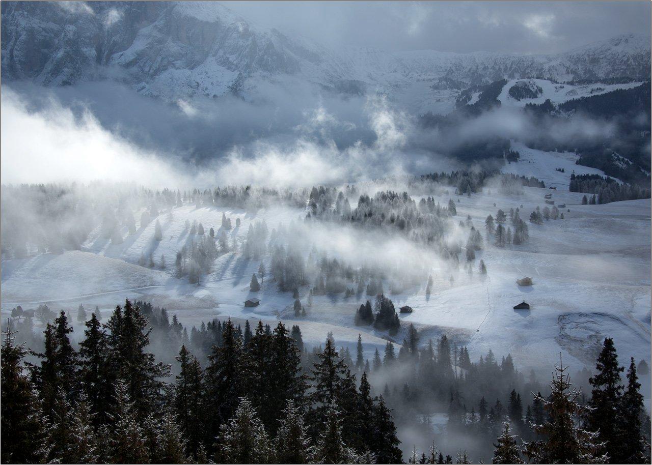 альпы доломитовые италия плато горы деревня туман облака, Boris Bort