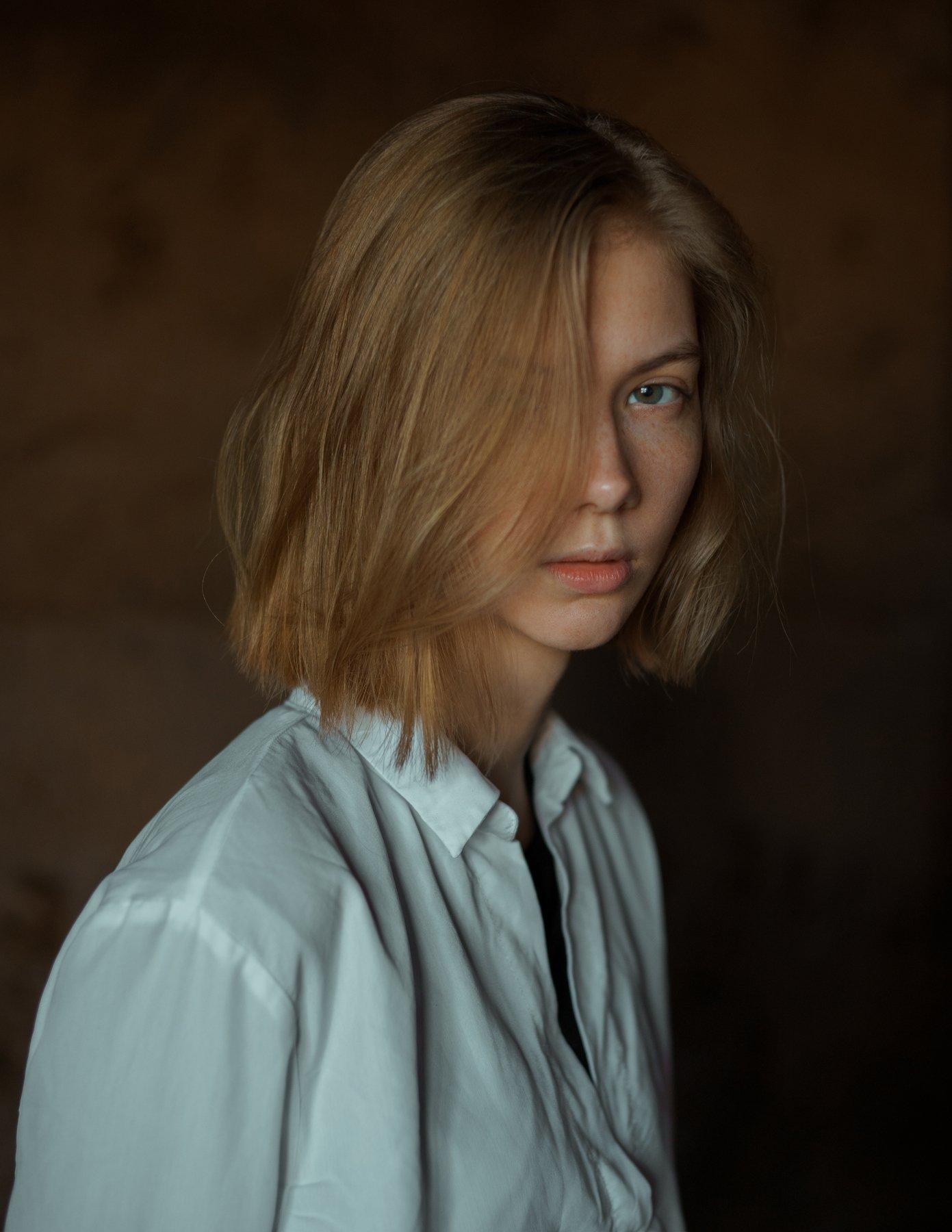 portrait, портрет, girl, indoor, studio, девушка, glass, march, ламповый, retouch, ретушь, цвет, lamp, sony, Фишар Павел