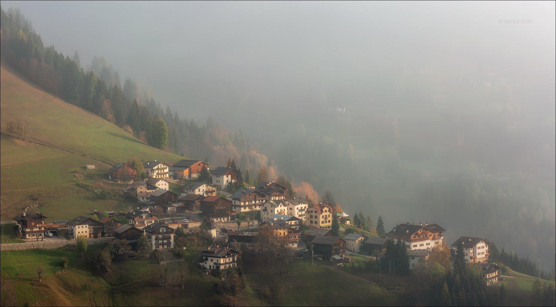 доломитовые альпы,,деревня,selva - di - cadore,осень,туман,италия,alps,, Василий Гори.