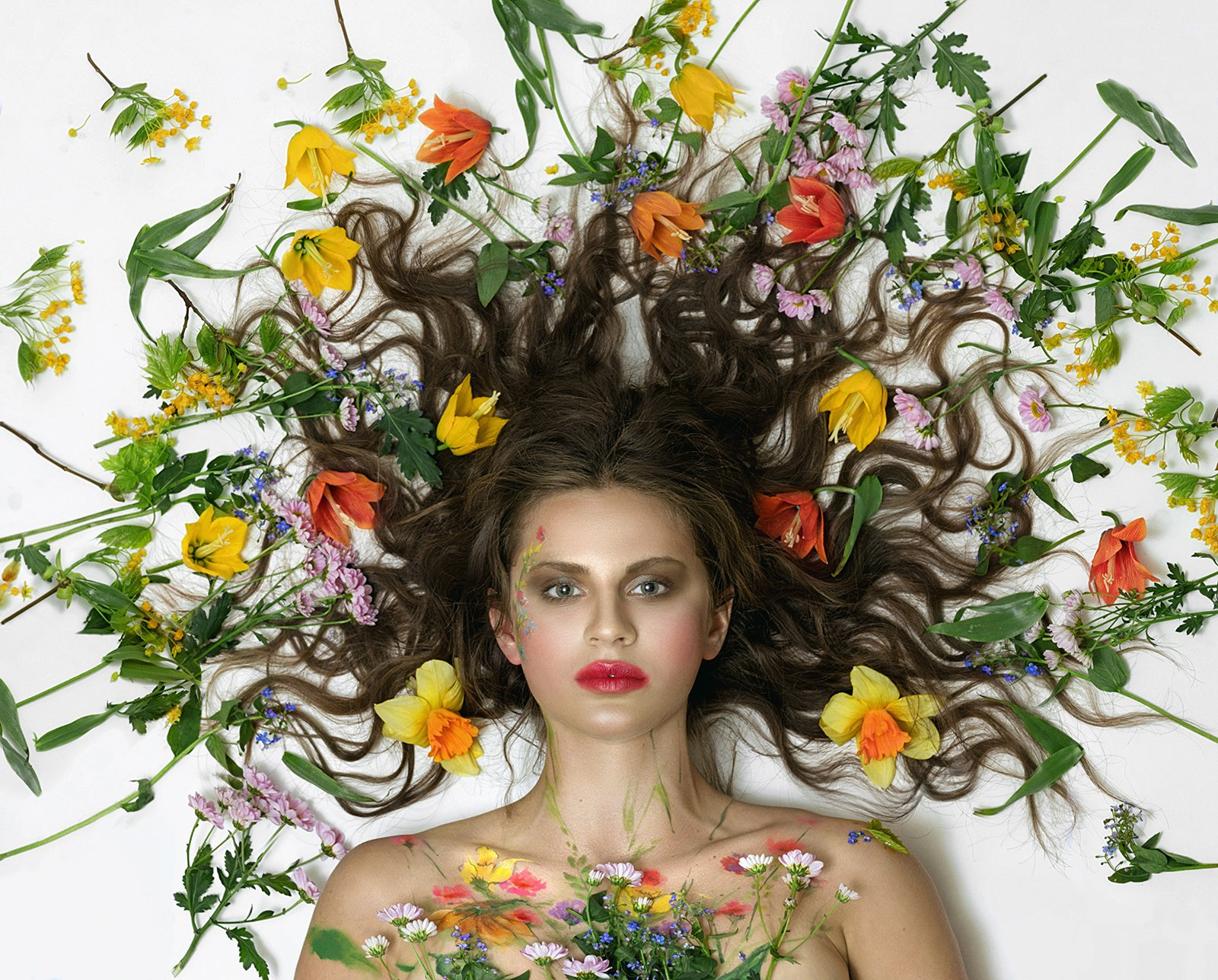 Портрет, девушка, Маргарита Гусева, цветы, портрет с цветами, Горгона, взрыв, Маргарита Гусева
