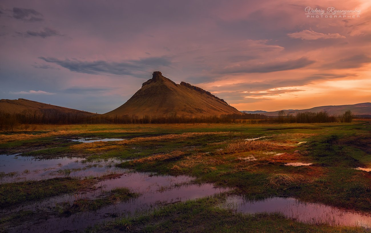 сундуки, сибирский пейзаж, Хакасия, закат, отражение, путешествие, Сибирский стоунхендж,, Валерий Ряснянский