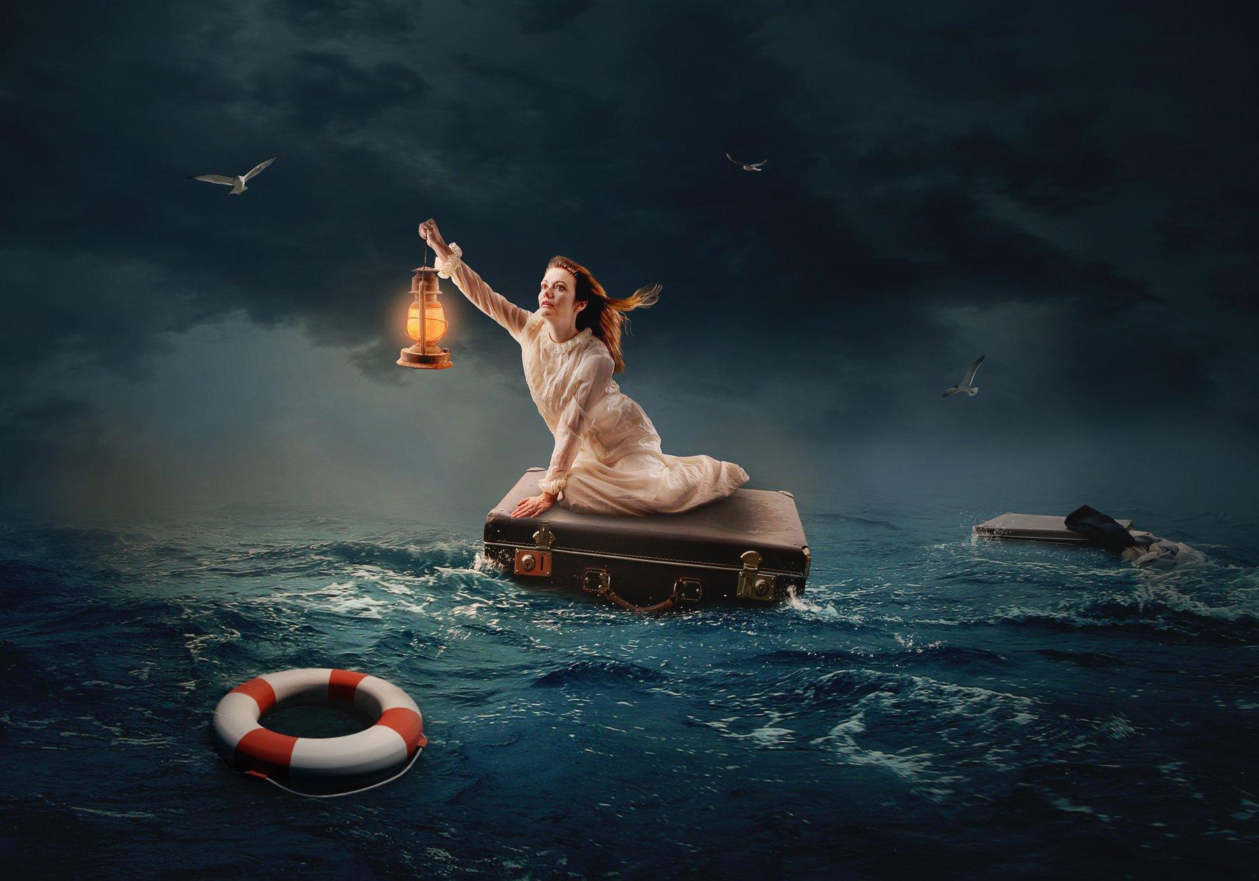 девушка, фонарь, океан, чемодан, Sergii Vidov