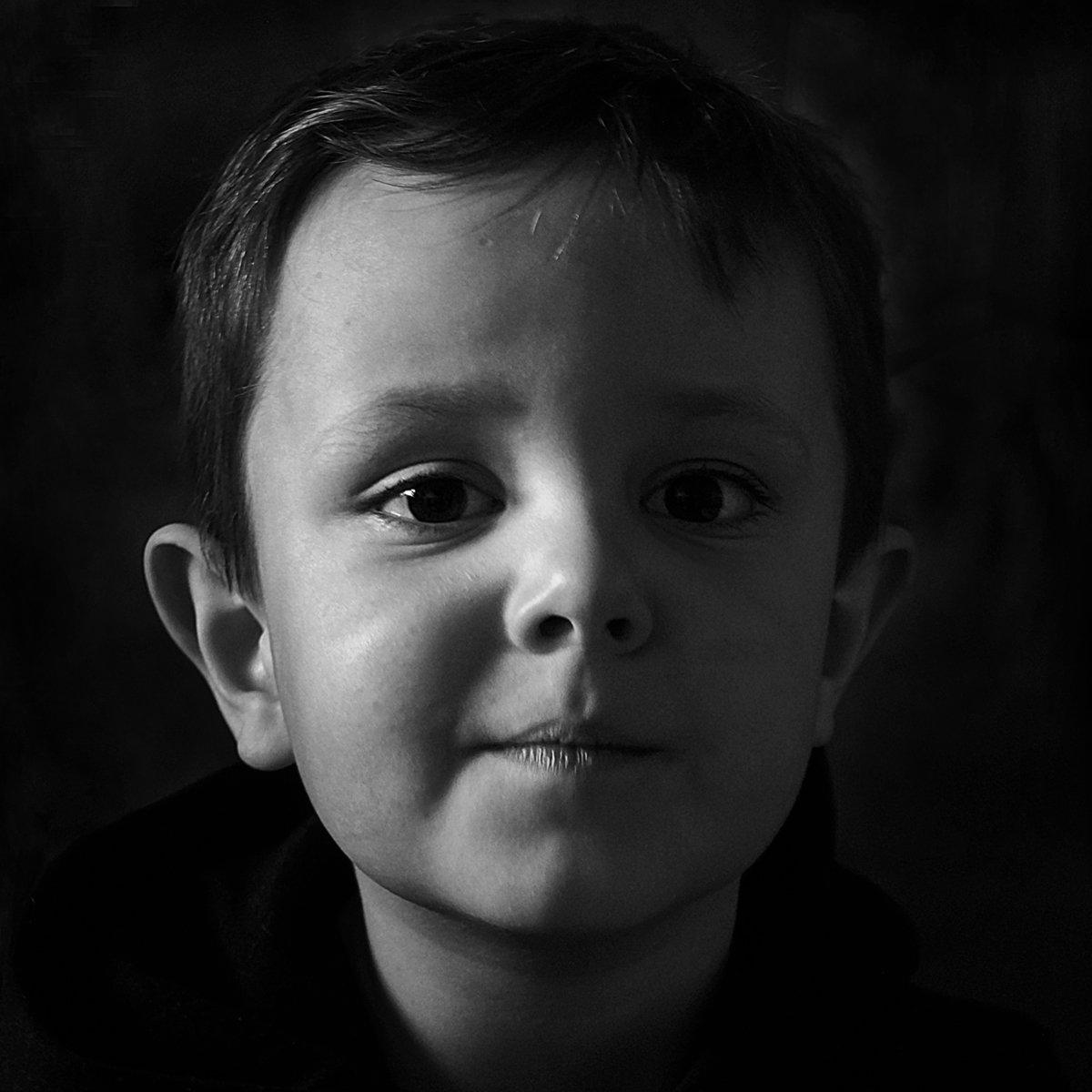 апатиты, мальчик, портрет, чб, взгляд, глаза, Николай Смоляк