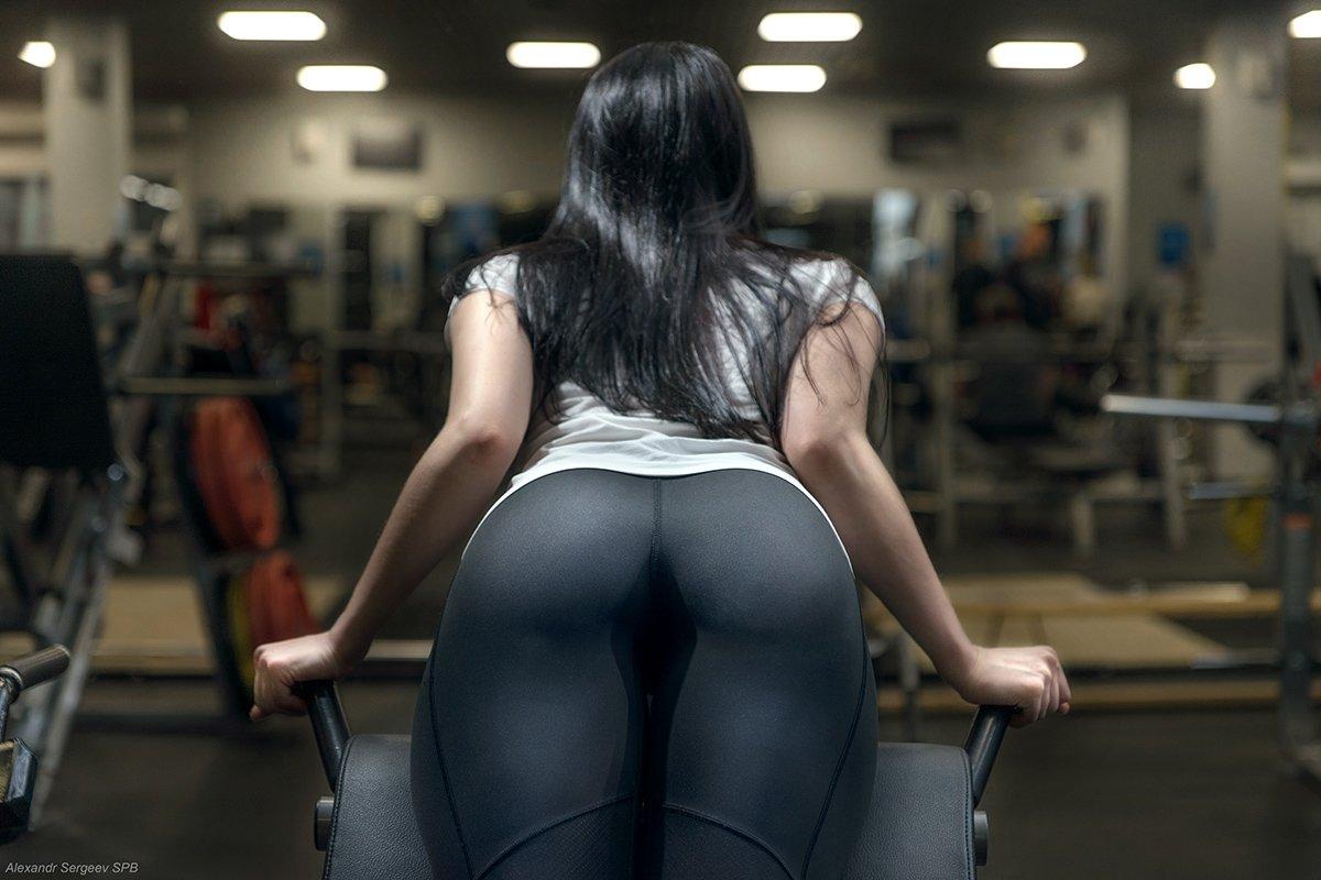 девушка,спорт,упражнение,спортзал,тренажёр,фитнес,гиперэкстензия, Сергеев Александр
