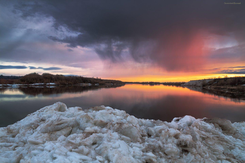 река, весна, закат, берег, северная двина, лед, дождь, Смольский Евгений