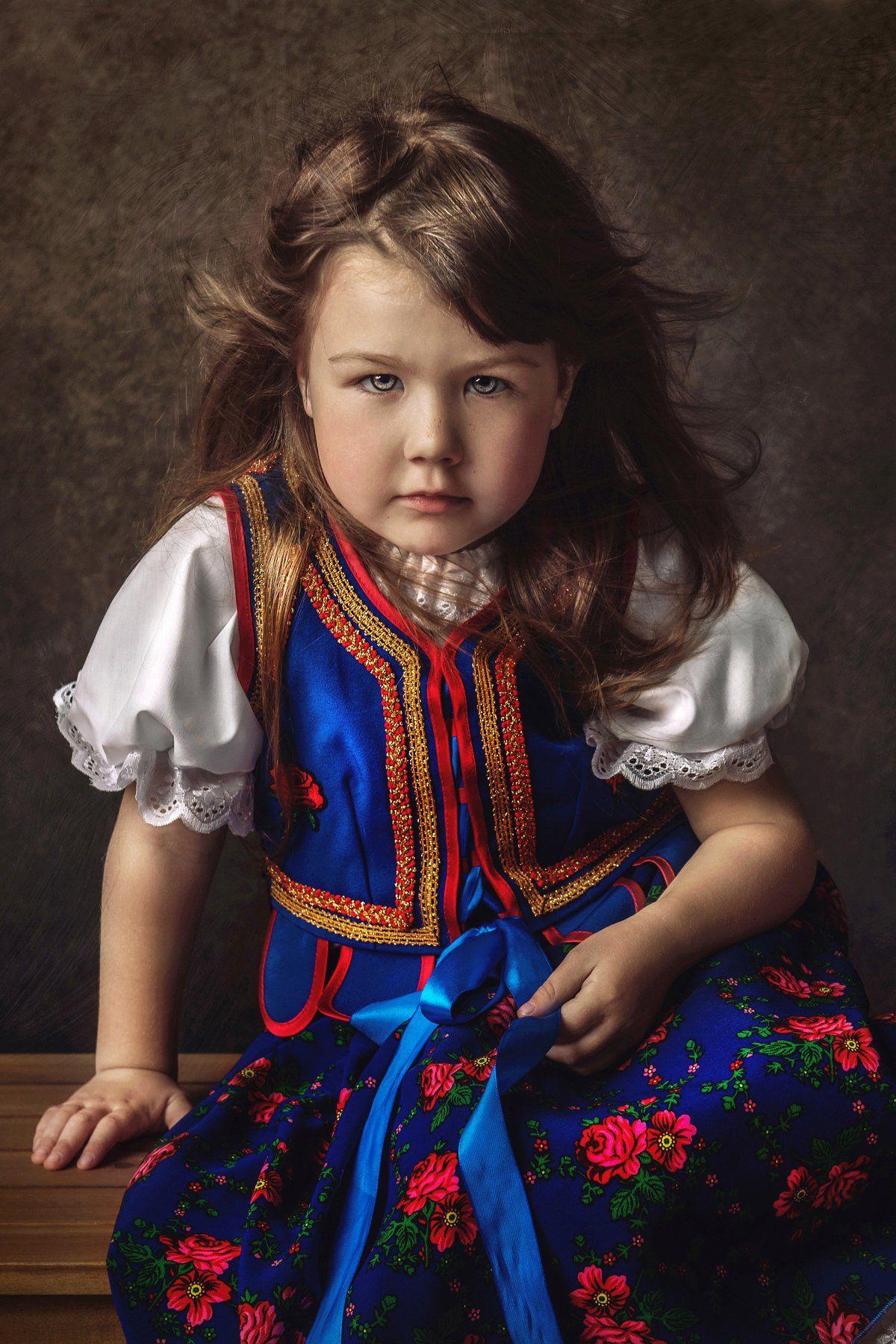 , Derecka Hanna