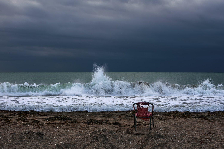 море черное ветер вода волны брызги берег песок стул небо, Вера Ра