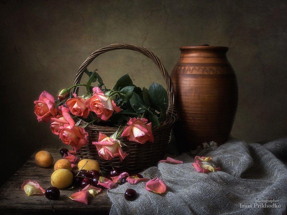Деревенский натюрморт с розовыми розами Ирина Приходько