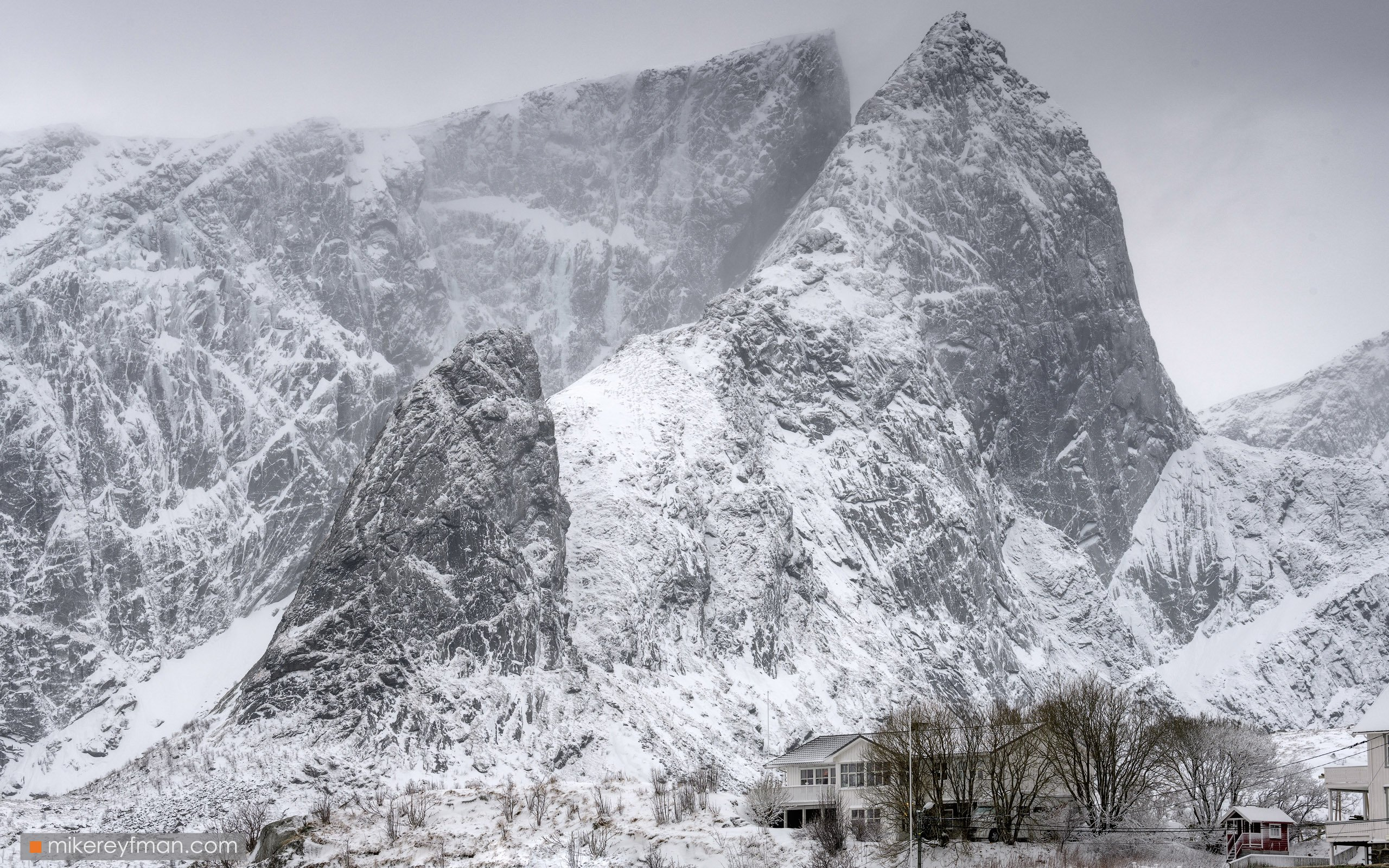arctic, coast, europe, fjord, landscape, lofoten, archipelago, mountain, nordic, nordland, norway, peaks, rorbuer, scandinavia, snowscape, weather, winter, reine, village, Майк Рейфман