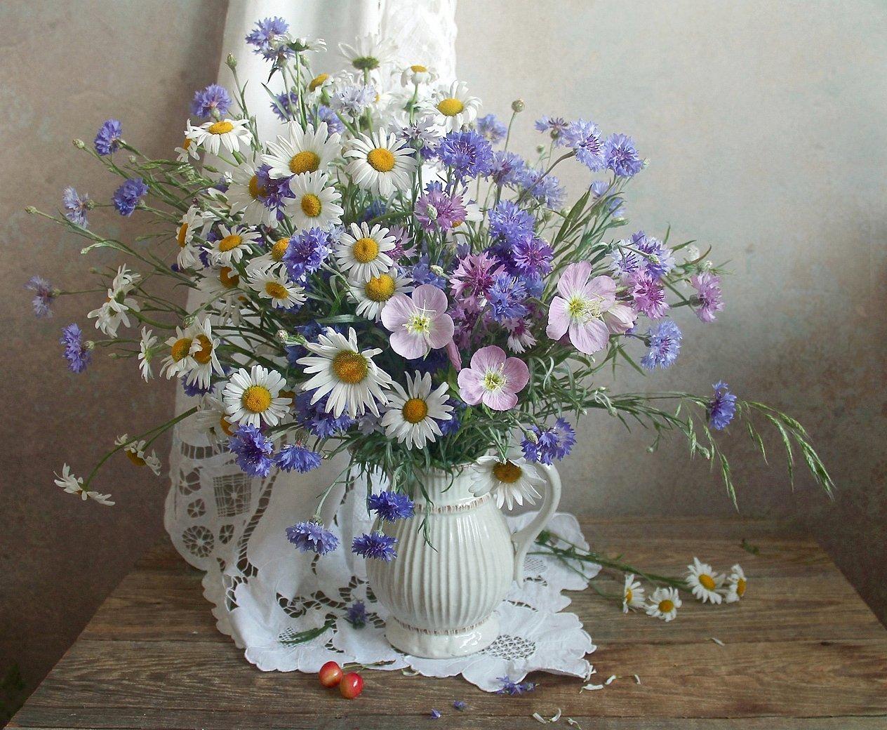 Есть особая прелесть в цветах полевых Филатова Марина