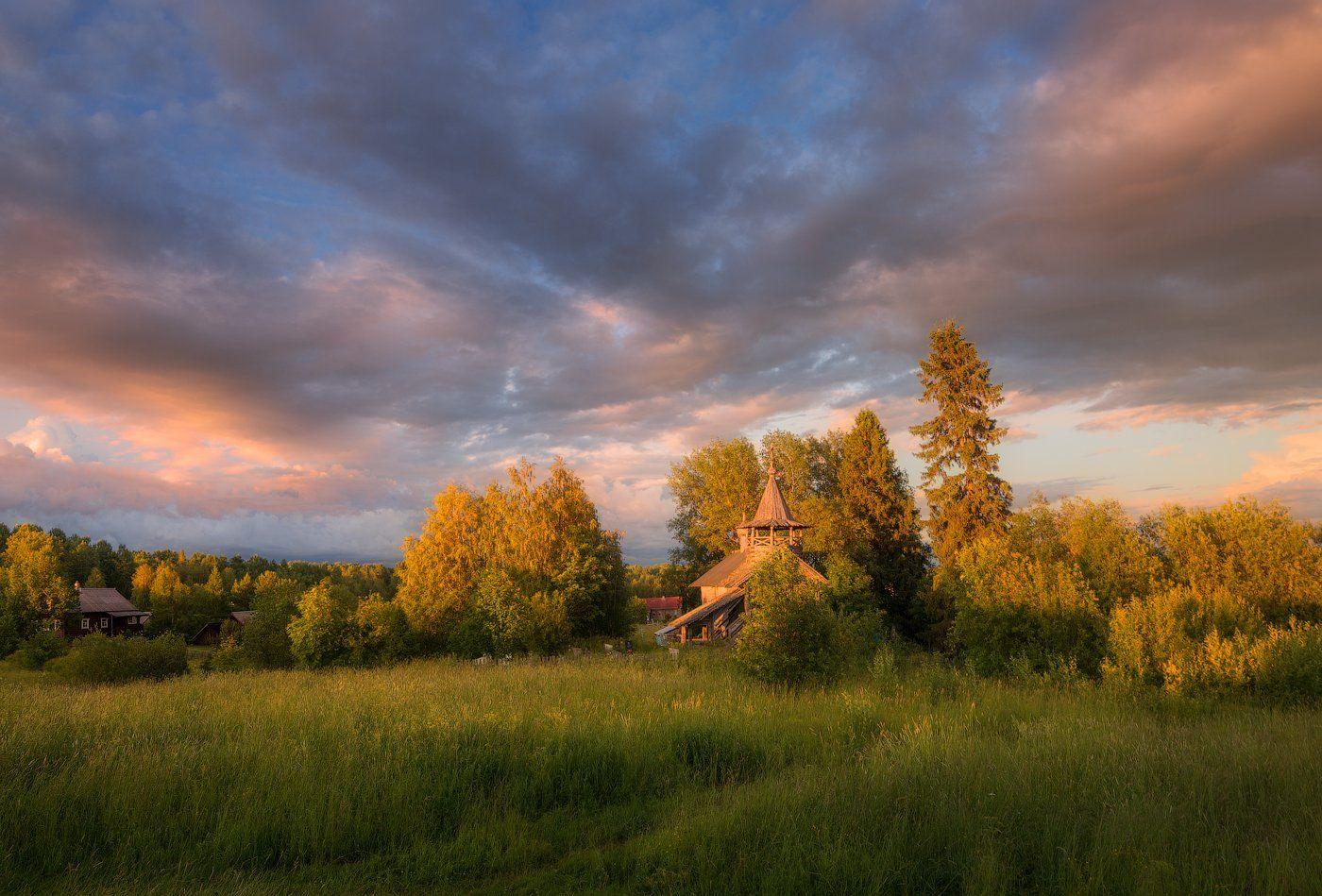 лето, вечер, деревня, глубинка, россия, часовня, церковь, небо, облака,, Cтанислав Малых