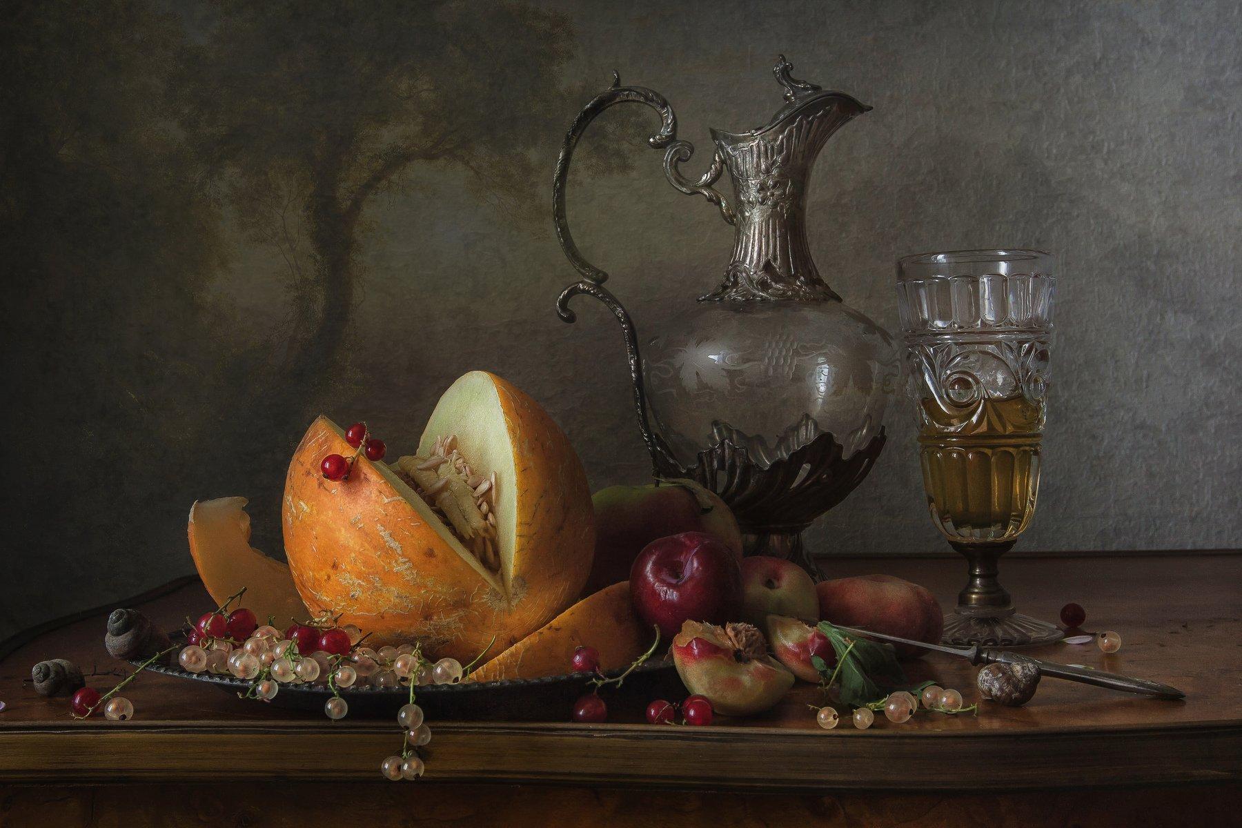 С кувшином и фруктами Анна Петина