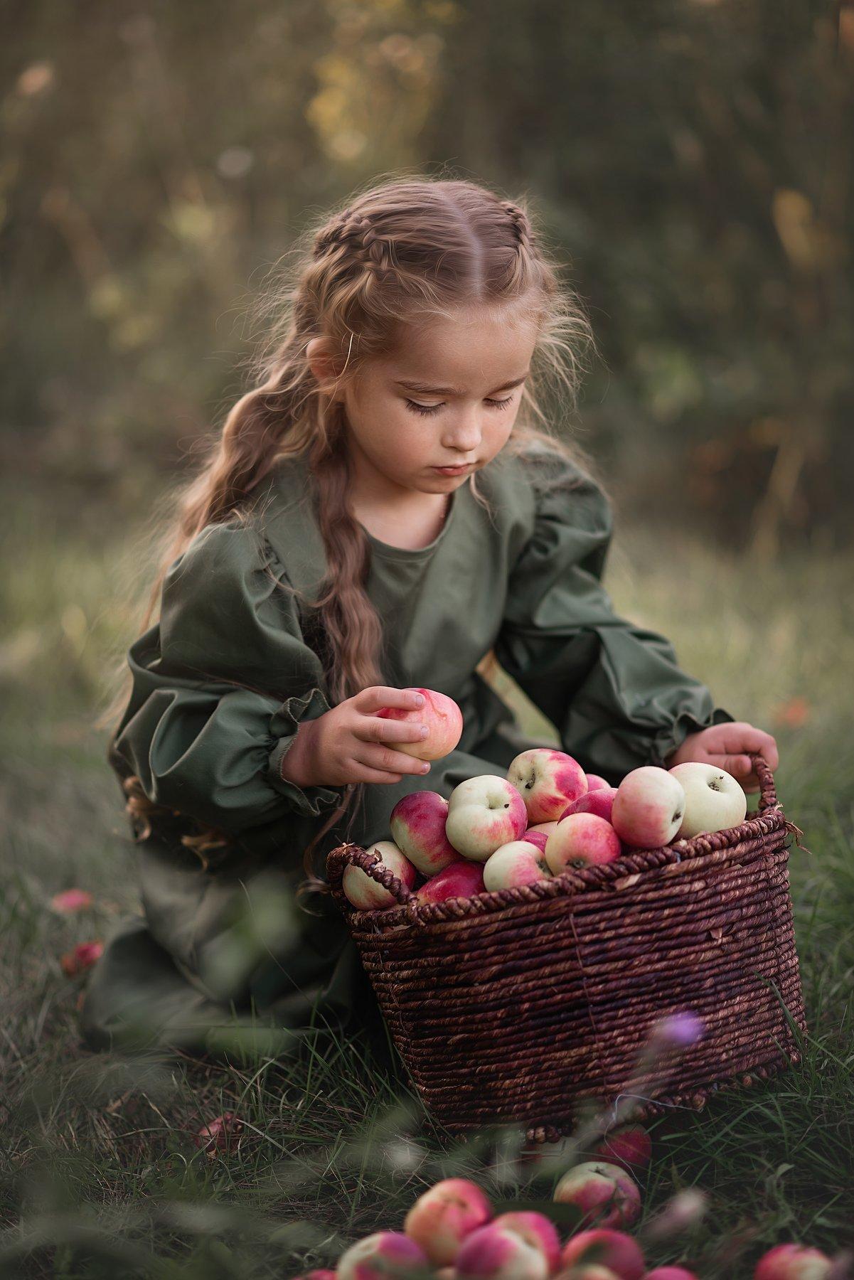 Дети, яблоки, сказка, Фомина Лариса
