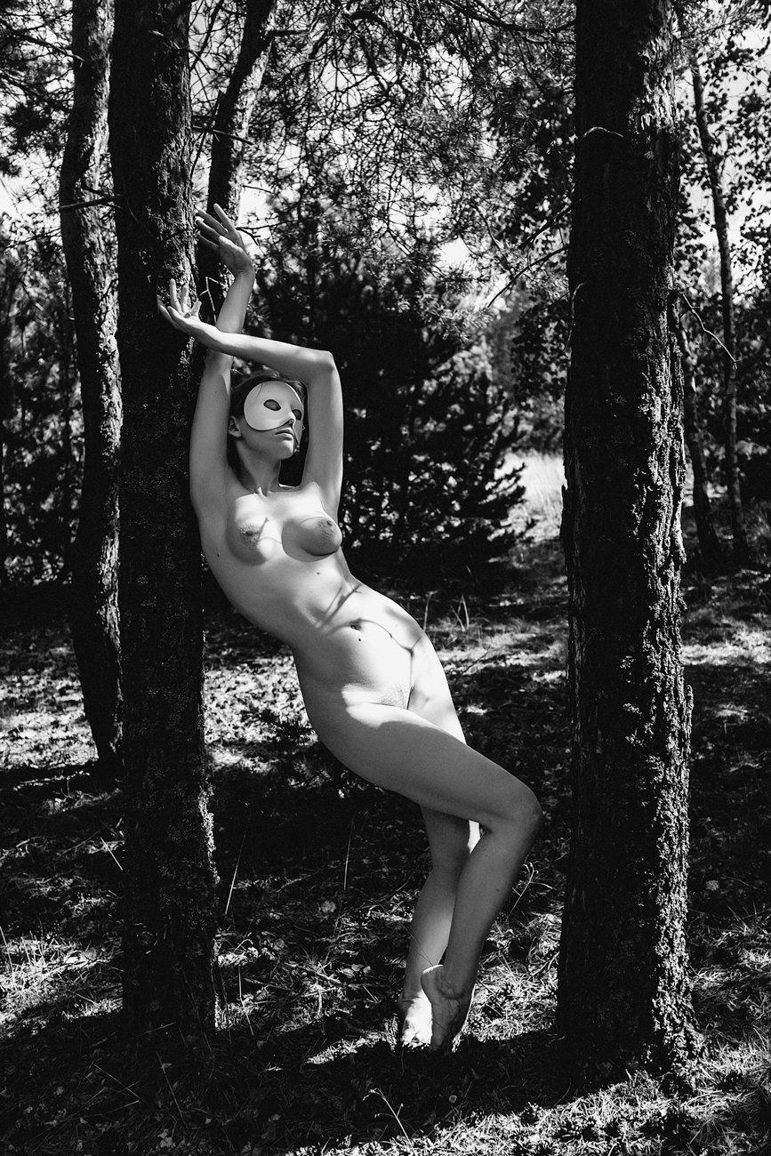 woman, nude,outdoors, art, conceptual, Руслан Болгов (Axe)