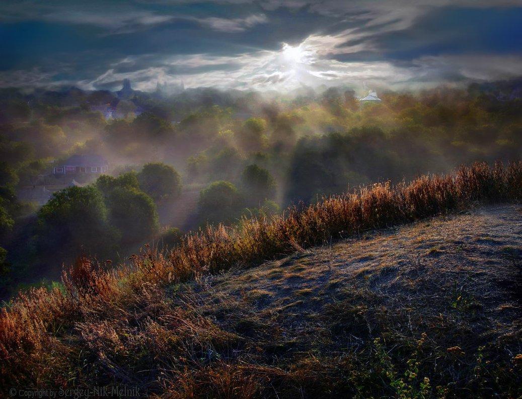 дымка, небо, облака, солнце, хотин, рассвет, замок, долина, крепость, лучезарный, лиловый, синее небо, крепостная стена, старинная крепость, сияние, Serg-N- Melnik-oy