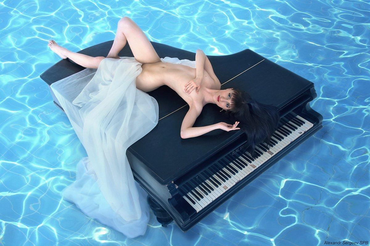 девушка,рояль,муза,музыка,обнажённая,арт,фото-арт,ню-арт,  Александр