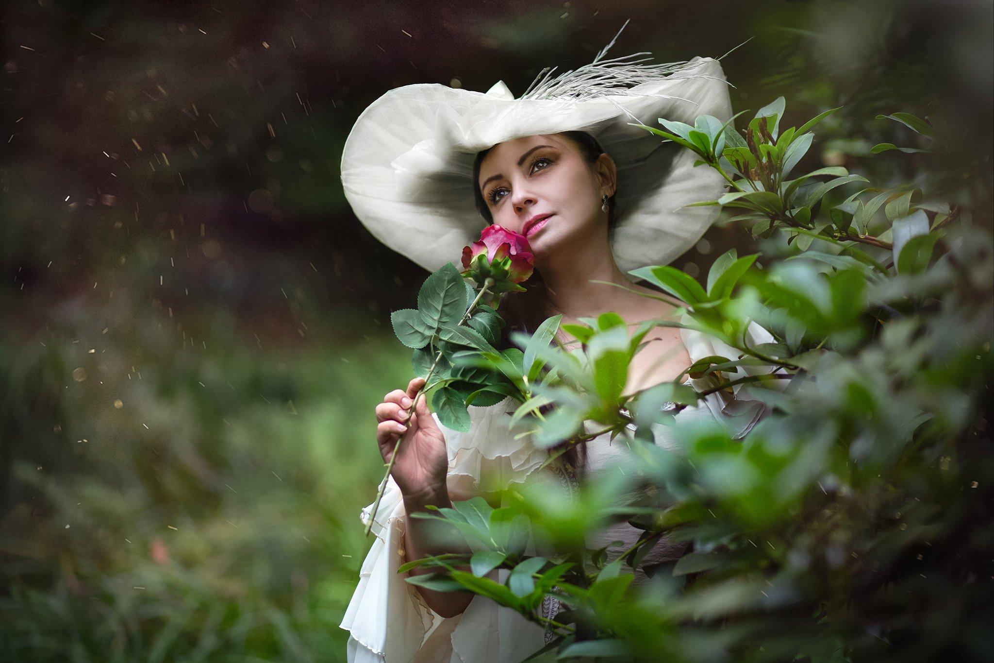 woman rose dark romantic, Nina Janiak