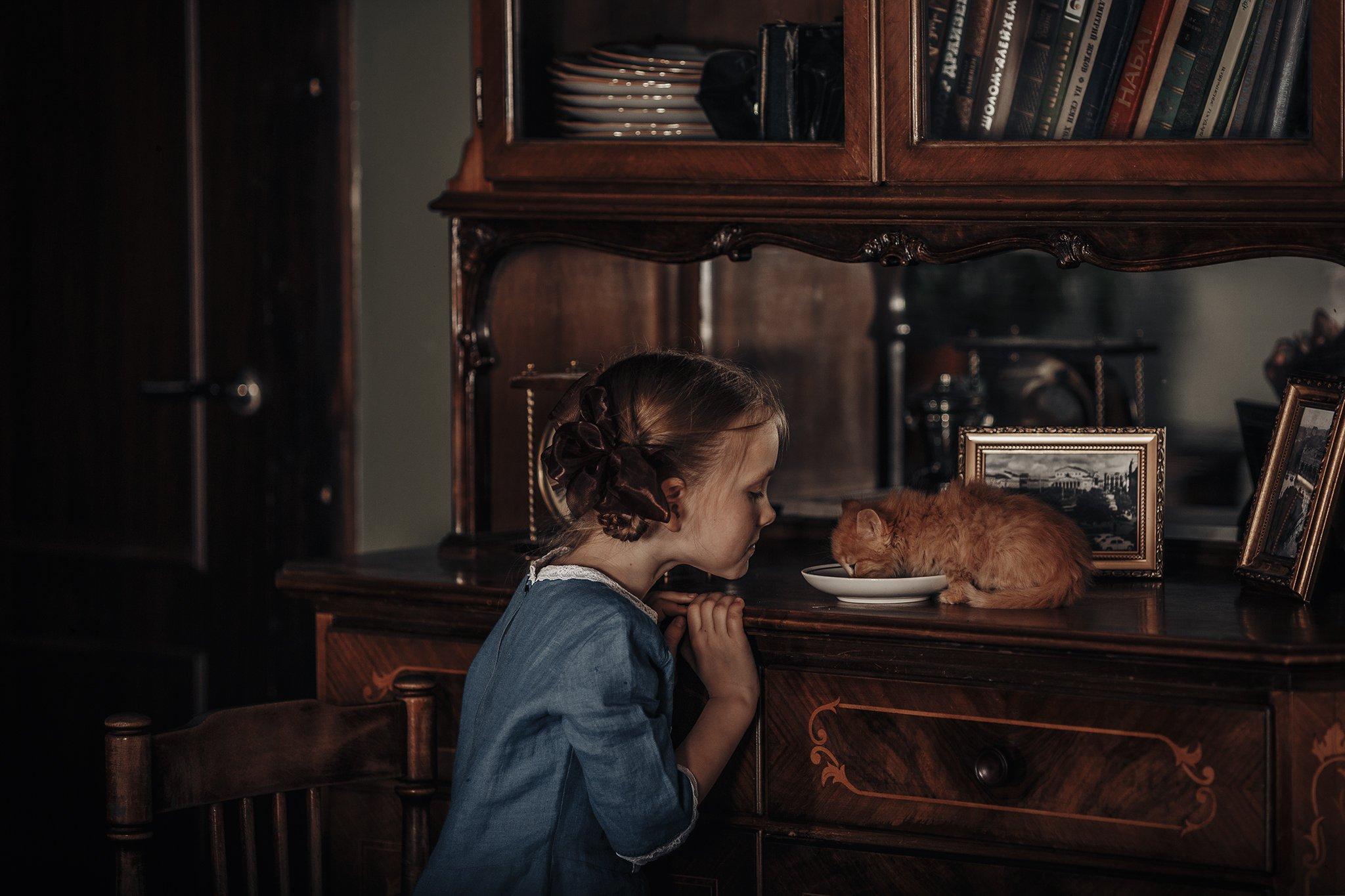 ретро, котенок, молоко, девочка. ребенок, ссср, Марина Петра