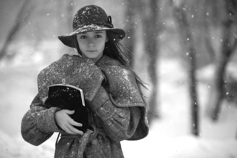 снег, непогода, девочка, шляпа сумочка, Смолянская Евгения