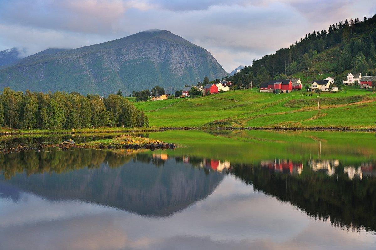 вечер, Вода, Горы, норвегия, Озеро, отражение, Пейзаж, Природа, Александр Константинов