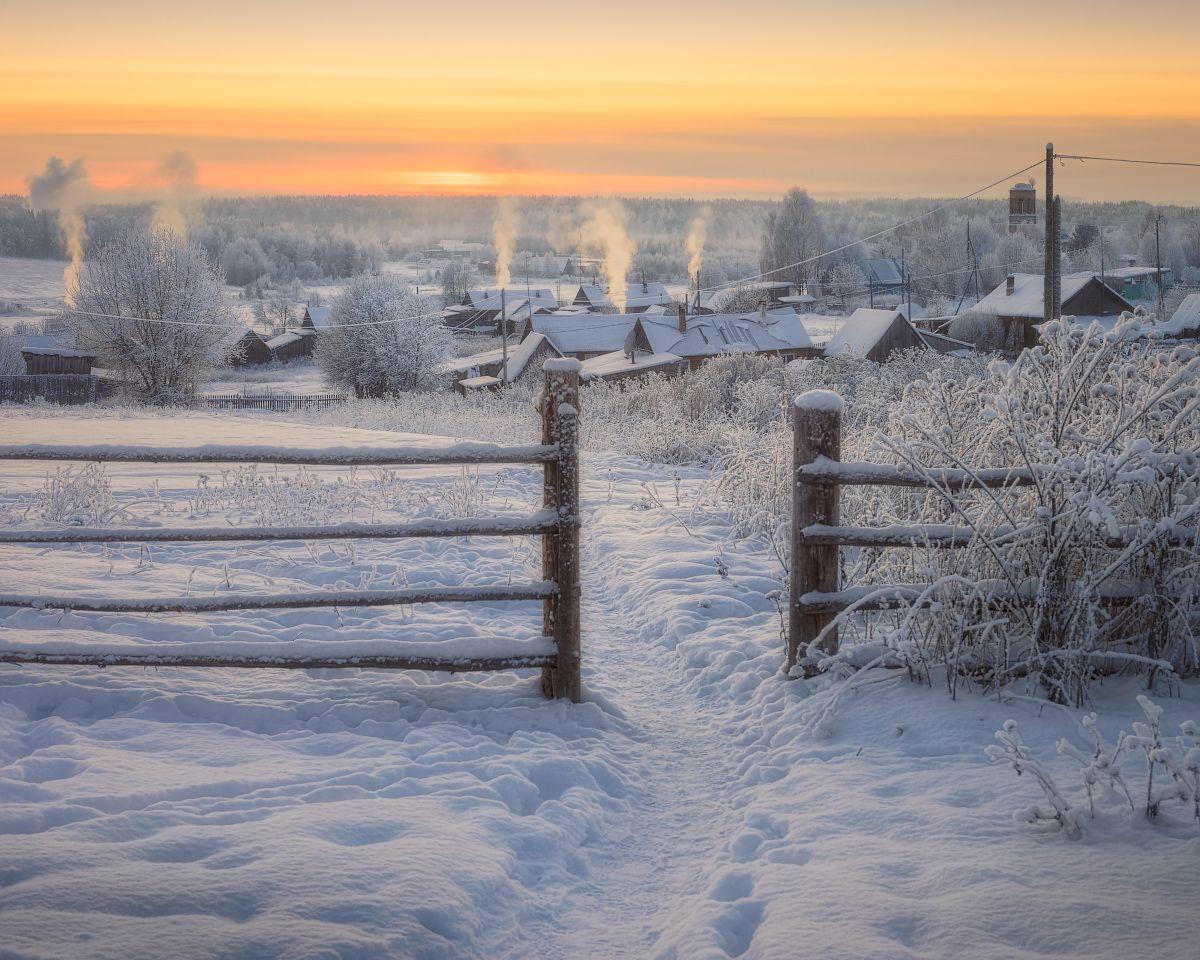 Убегу. Умчусь. Уеду в деревню по морозцу при луне!
