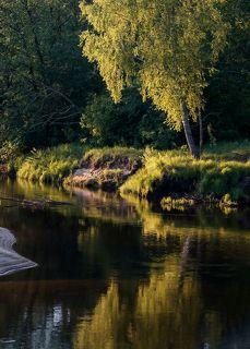 03 Отражения в реке активно подыгрывают заходящему солнцу