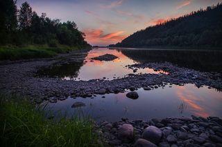 Красками вечер небо раскрасил..! Берег реки Томь