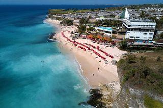 Изначально эта местность и пляж назывались Чимонгка (Cimongka).