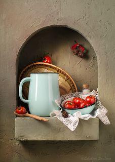 Кухонный натюрморт с кувшином
