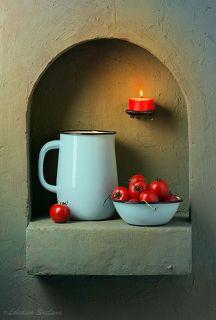 Кухонный натюрморт со свечой